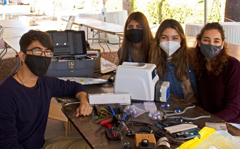 Some members of Team 21027: Carlos Perez, Alejandra Loreto, Jocelyne Rivera, Angie Guadalupe Covarrubias