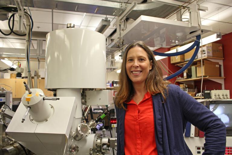 Erin Ratcliff in her lab