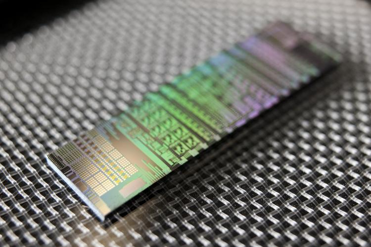 Image of an optical communication chip.